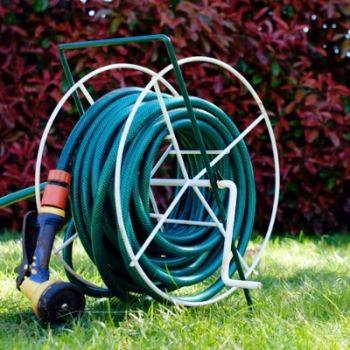 Выбор шланга для полива сада и огорода